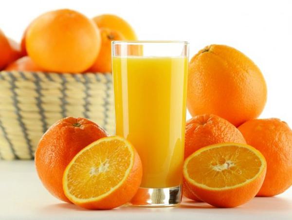 Cam giàu vitamin C - tăng sức đề kháng cho mẹ bầu.