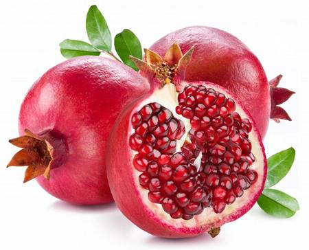 Quả lựu rất giàu vitamin C (nhiều hơn trong quả táo) có tác dụng giúp giải nhiệt và rất tốt cho máu.