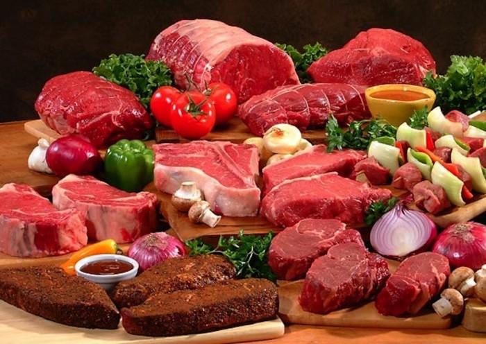 Bà bầu nên bổ sung lượng sắt này vào khẩu phần ăn hàng ngày bằng cách ăn nhiều những thực phẩm như gan, tim, lòng đỏ trứng, các loại thịt có màu đỏ, các loại đậu, đỗ, rau xanh…