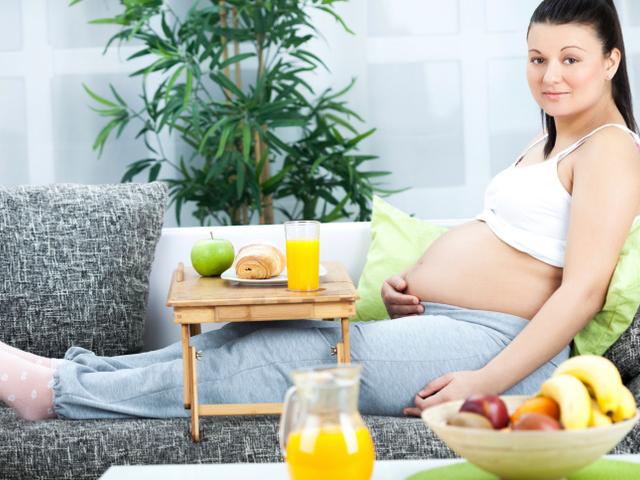 Việc duy trì chế độ dinh dưỡng cân bằng và đầy đủ các nhóm chất là vô cùng quan trọng.